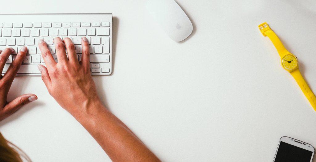 Frilansare, byrå eller anställd skribent